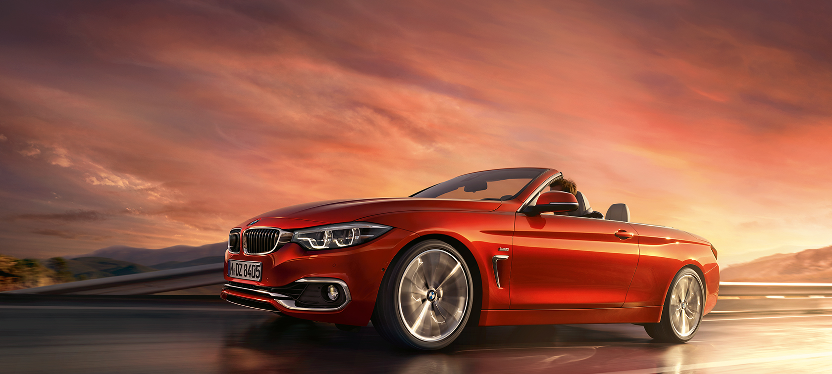 Toma en movimiento del BMW Serie 4 Convertible